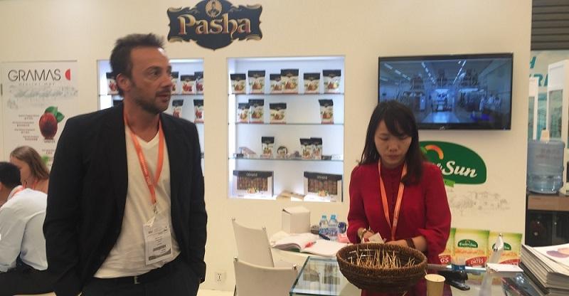 嗨酷翻译公司在上海中食展为GRAMAS提供中英交传服务