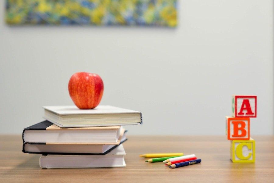 昆士兰路德教育学院到访复旦大学附属中学